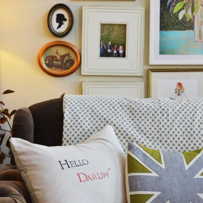 12 Days of {handmade} Christmas::Day 12 Hello Darlin' stenciled pillow and making an envelope pillow