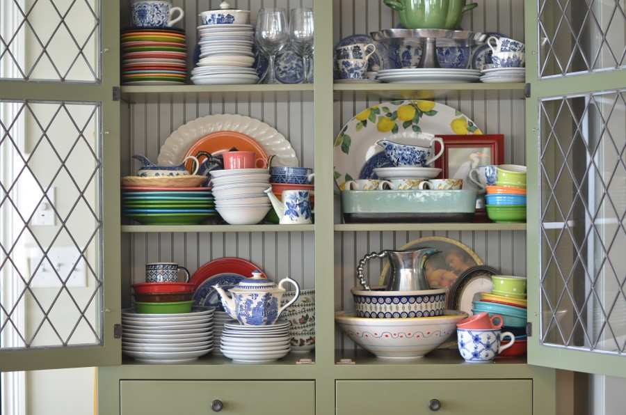 The Pros And Cons Of Open Shelving In The Kitchen: Living With Open Shelving, The Pros And Cons