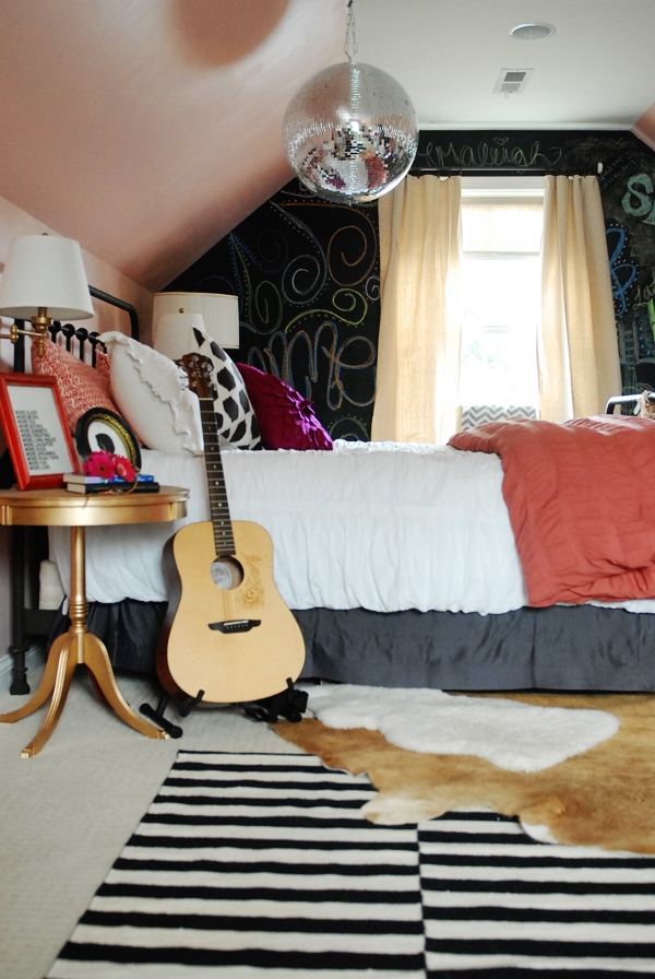 cute ideas for attic bedrooms - Elements of a Teen Girl s Room