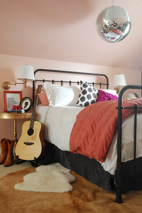 Elements Of A Teen Girl S Room