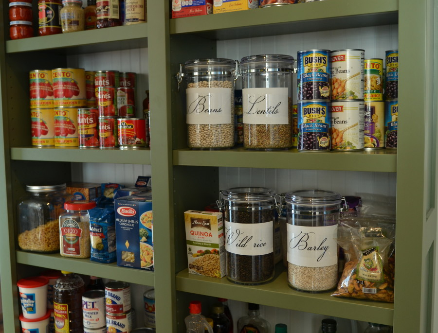 31 Days of Less and More, Day 24 {More Pretty Pantries}