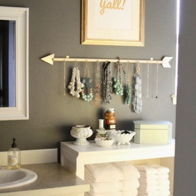 DIY Arrow Jewelry Holder