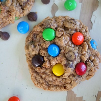 {Flourless} Monster Cookies